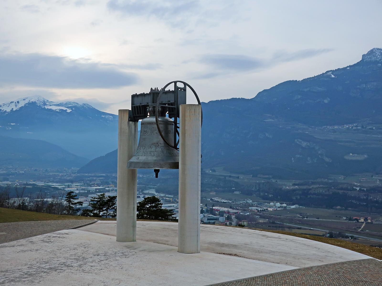 100 Jahre, 100 Schläge: Der Klang der Friedensglocke in Rovereto