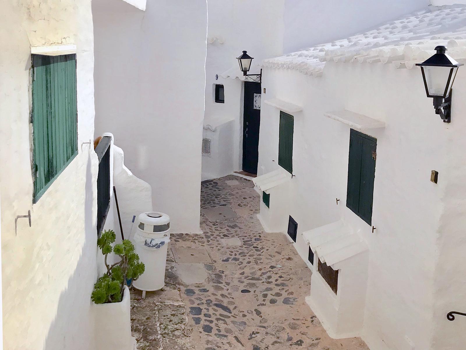 Bilderbuchdorf auf Menorca: Wie Binibeca Vell zum Instagram-Hit wurde