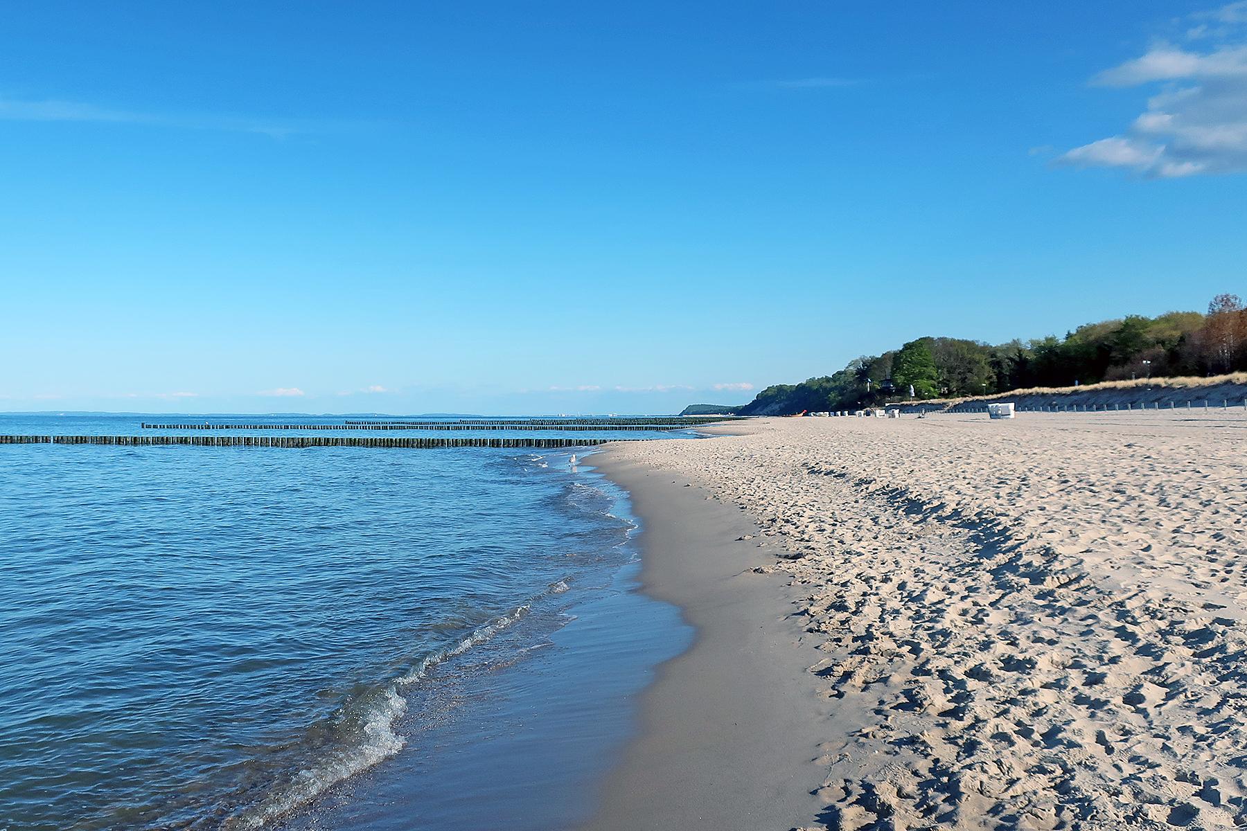 Bernsteinbäder Usedom: Wo die Ostsee schäumt und der Bernstein schwimmt