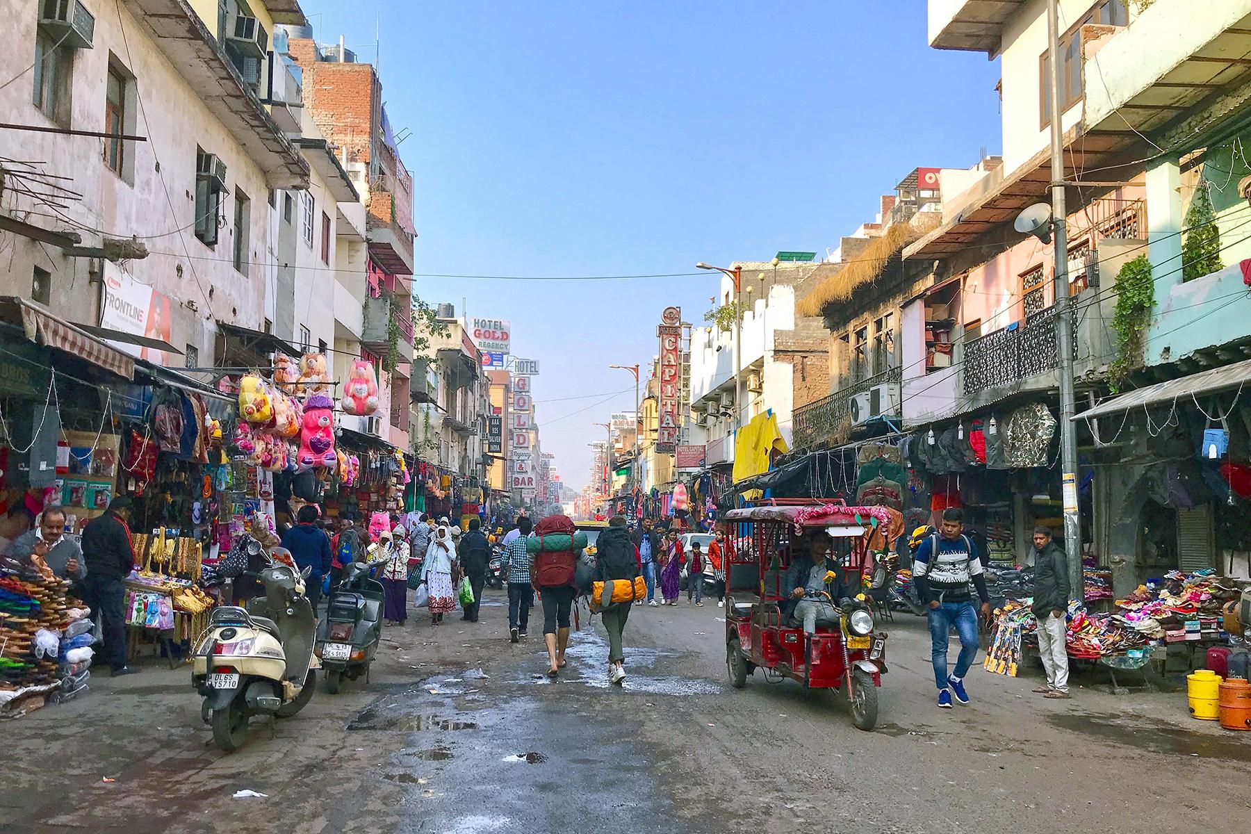 """Travel-Talk Delhi: Interview & Insidertipps für Delhi von Savita Rai von """"Women on Wheels"""""""