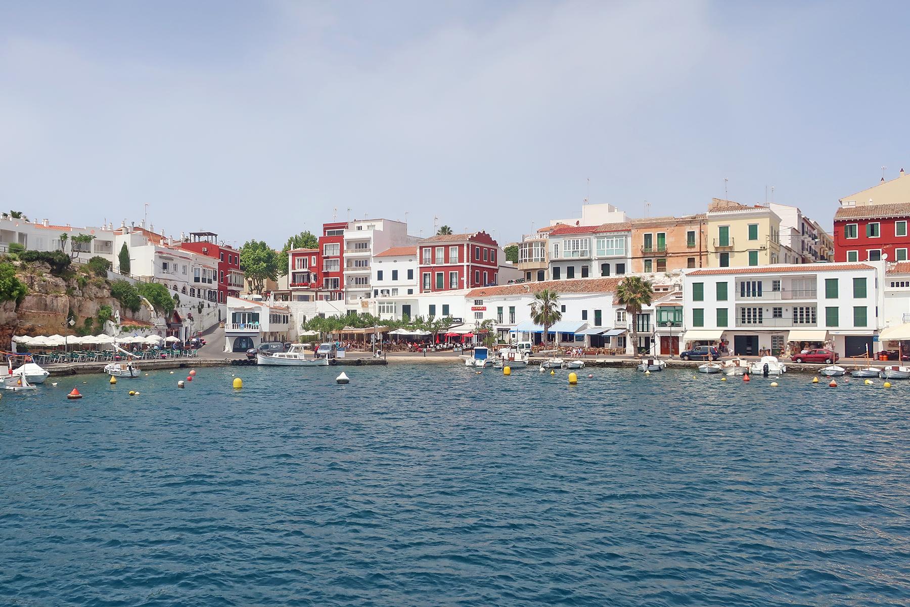 Familienurlaub auf Menorca: 5 Highlights, die Familien auf Menorca erleben müssen