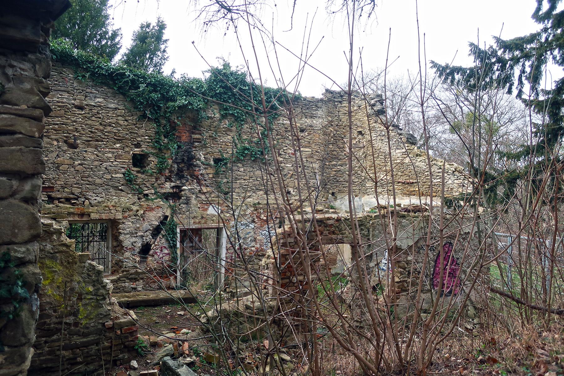 Lost Places in Wien: Die Ruinenvilla im Dehnepark in Wien